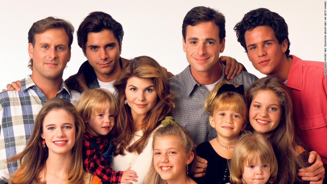 'Full House' cast recreates opening as 'Full Quarantine' 1