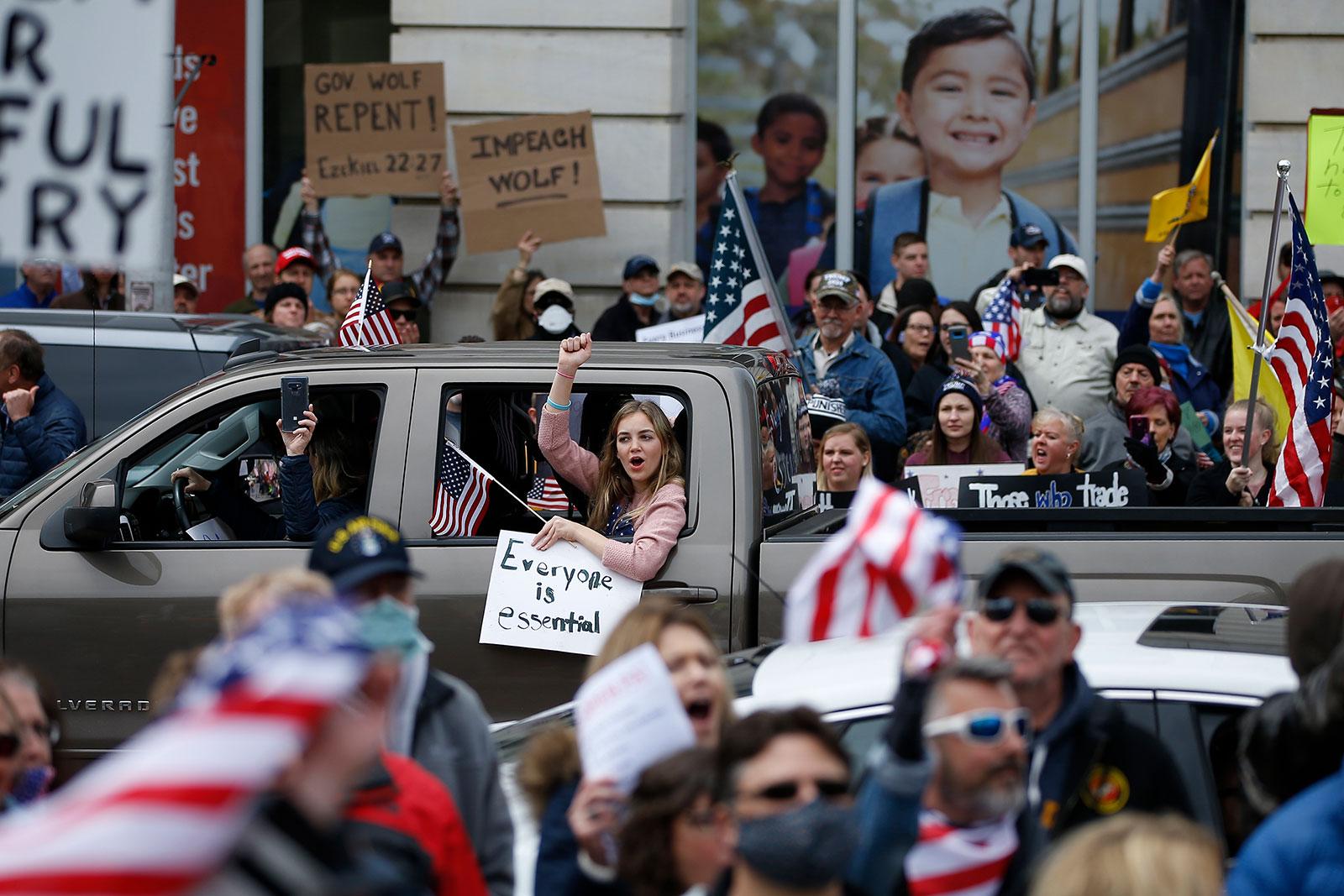 Sen. Lindsey Graham: New coronavirus relief bill is 'dead on arrival' in Senate 1