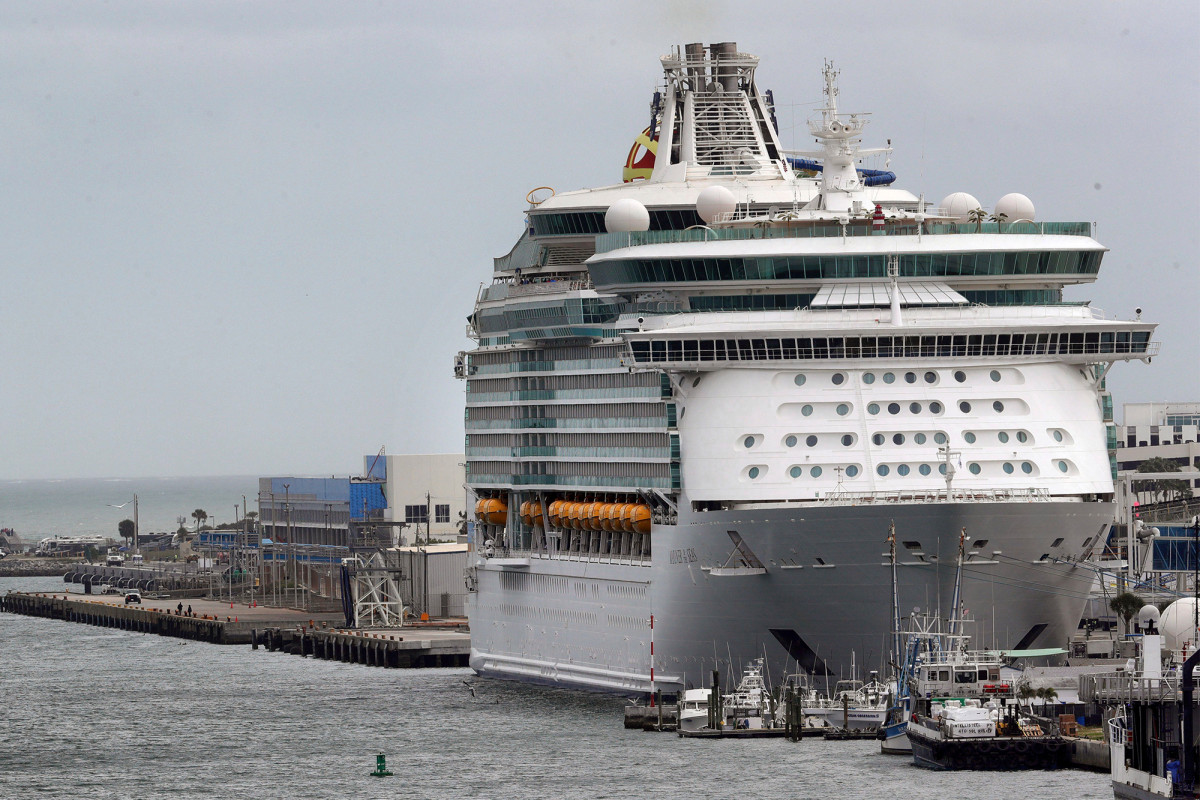 4 cruise ship workers died of non-coronavirus causes while stranded at sea, report says 1