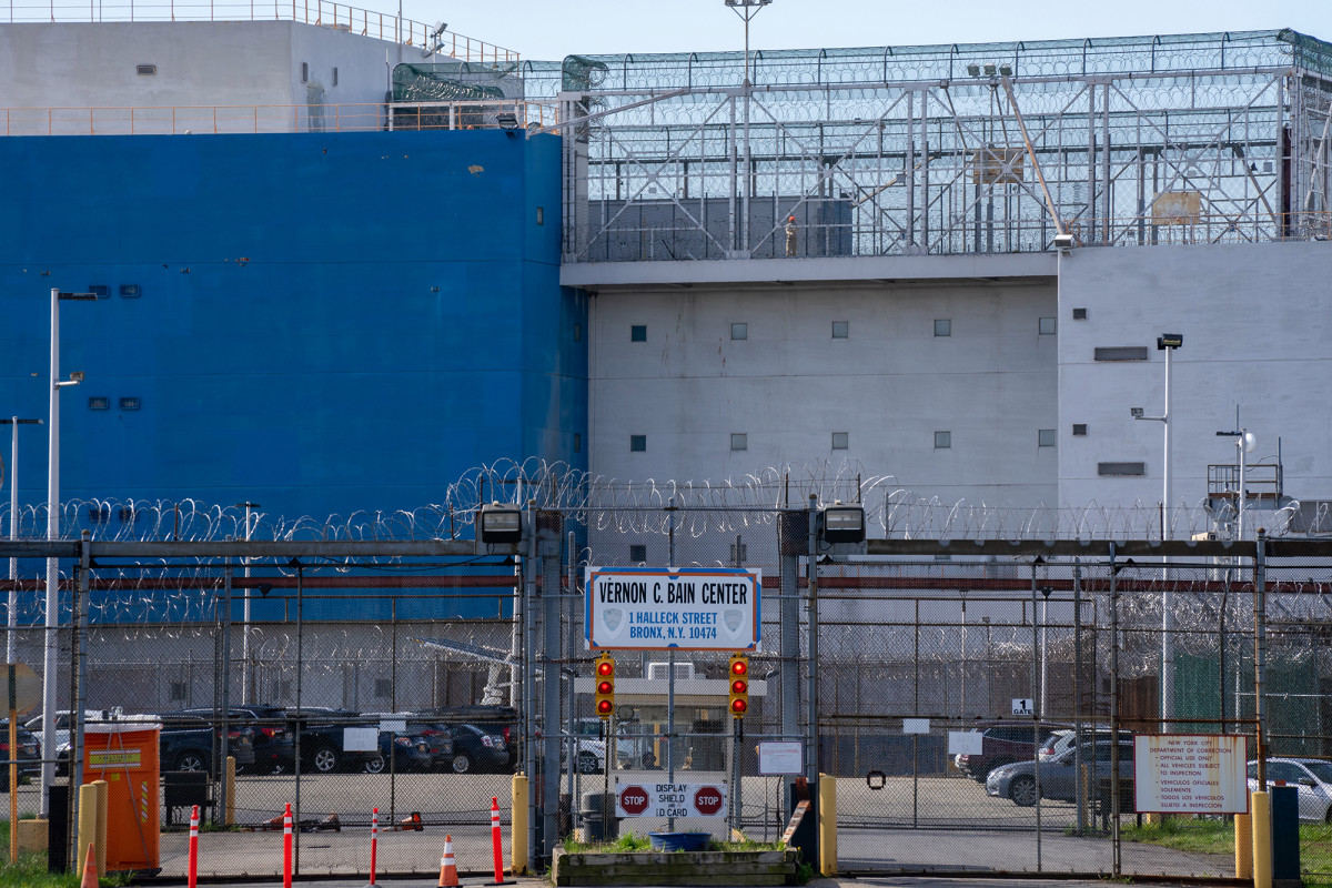 Dozens of Rikers inmates arrested again after coronavirus release 1