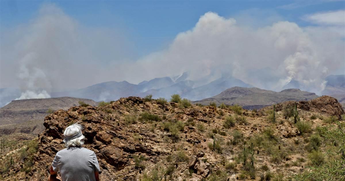 Giant wildfire near Phoenix continues to grow as Arizona coronavirus cases spike 1