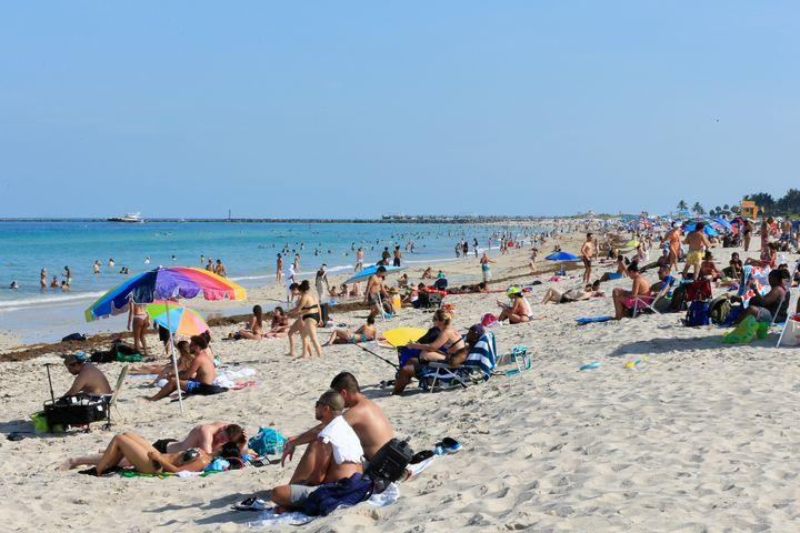Florida Sees Record Number Of Coronavirus Cases As Experts Eye Possible New Epicenter 1