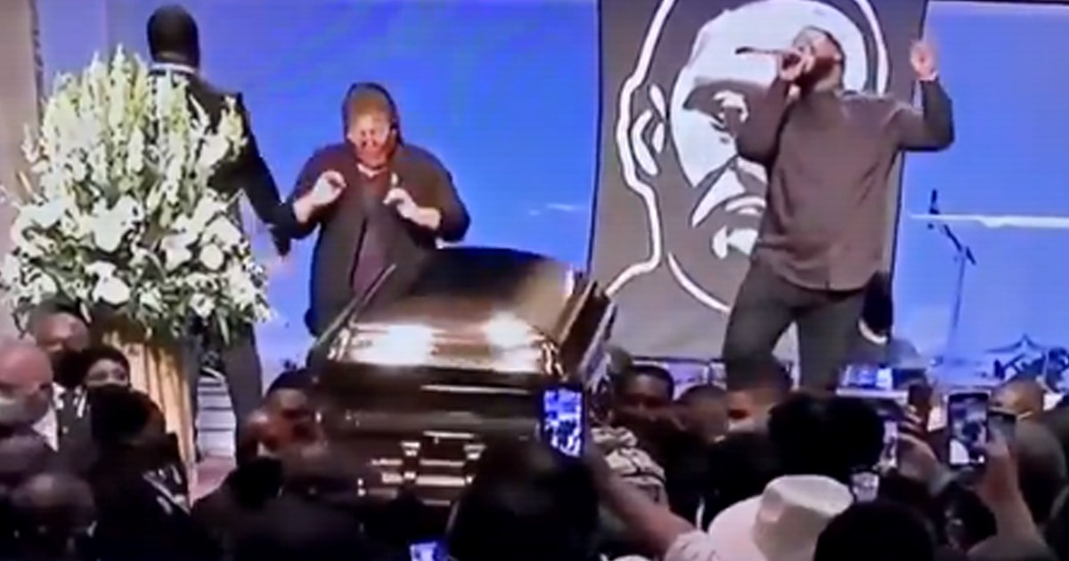 VIDEO: Pallbearers Dance to Gospel Music as They Carry George Floyd's Coffin 1