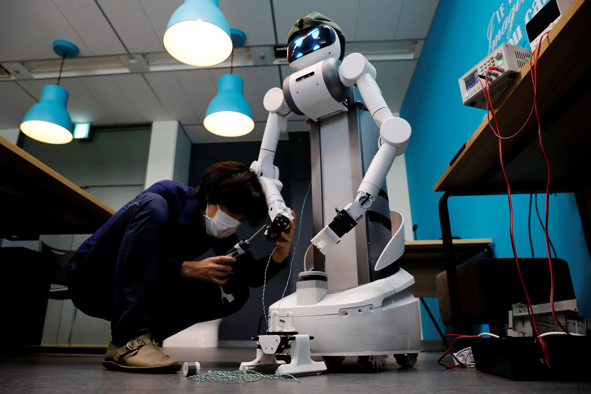 Robot built for Japan's aging workforce finds coronavirus role 1