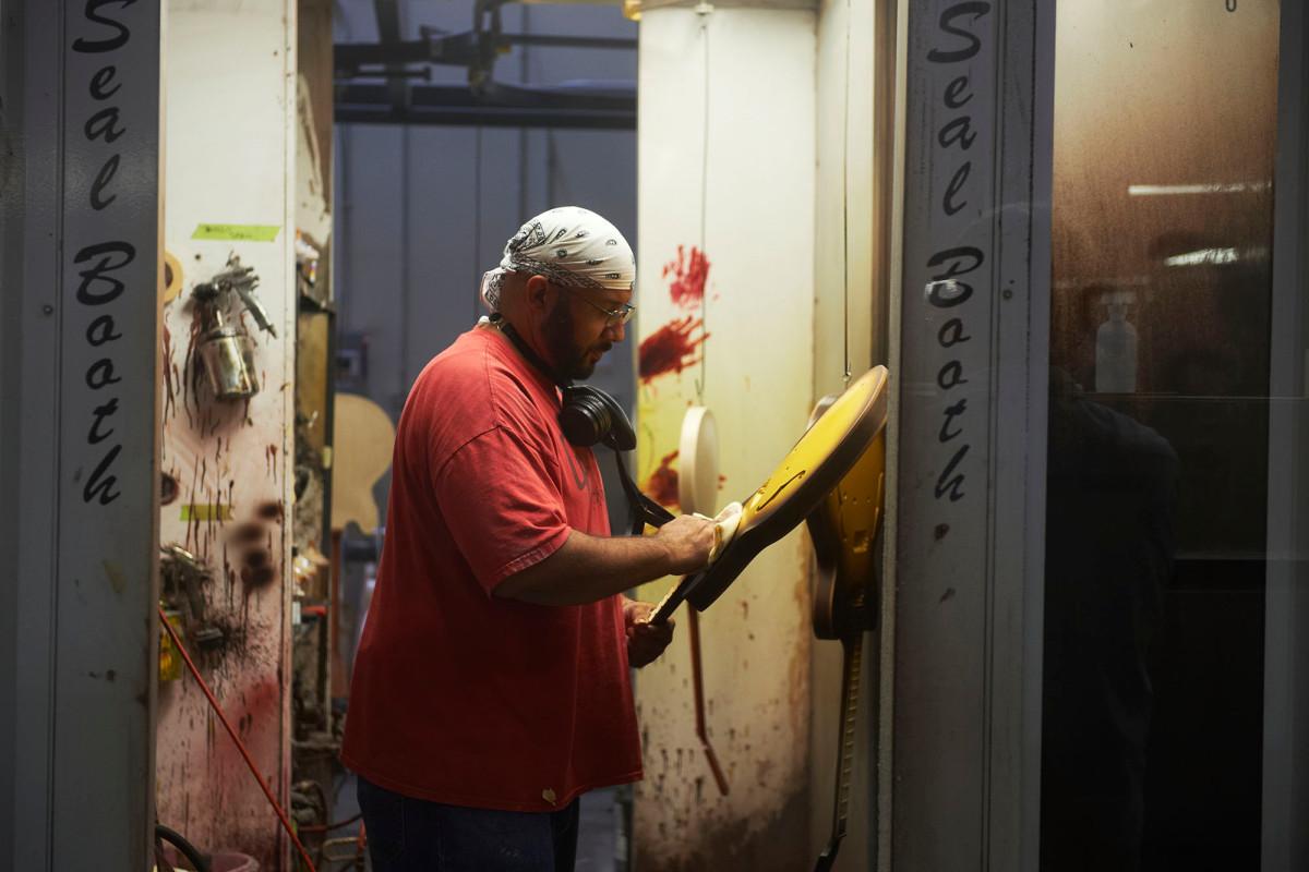 US workers file 1.5 million jobless claims as coronavirus total tops 45 million 1