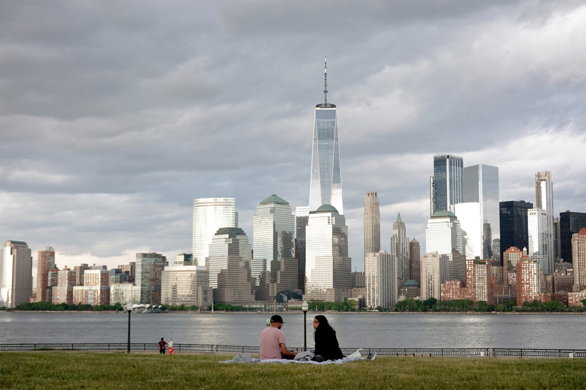 NYC freezes rents for all regulated units in response to coronavirus 1