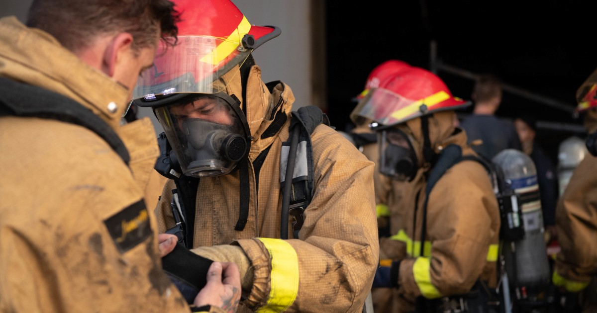 Sailors test positive for coronavirus after sharing gear fighting San Diego ship fire 1