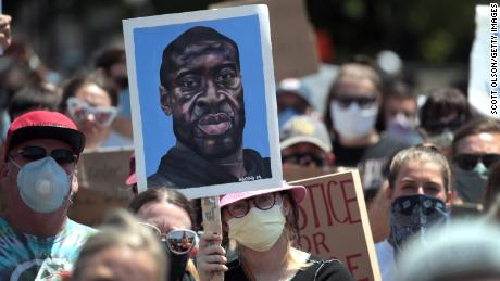 New police body camera footage reveals George Floyd's last words were 'I can't breathe' 1