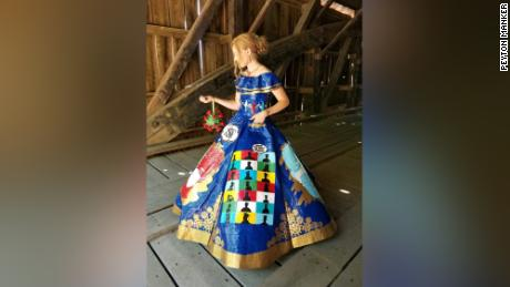 Teen's coronavirus-themed prom dress made of duct tape is a work of art 1