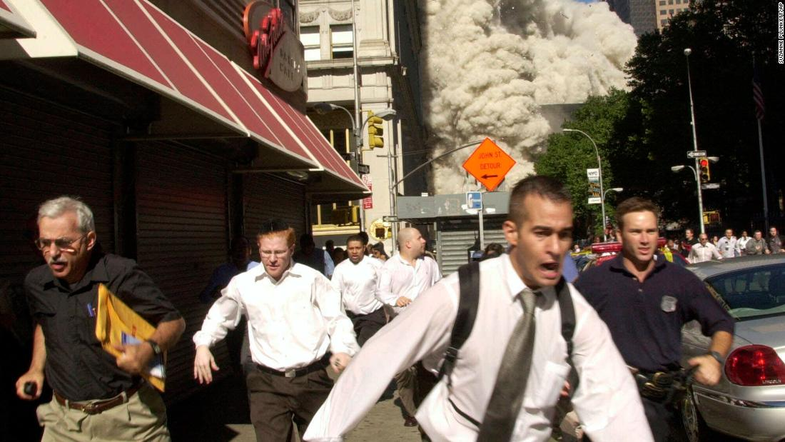 Man in famous 9/11 photo dies of Covid-19, his family says 1