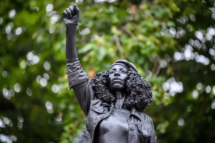 Toppled Slave Trader Statue In UK Replaced By Sculpture Of Black Lives Matter Protester 1