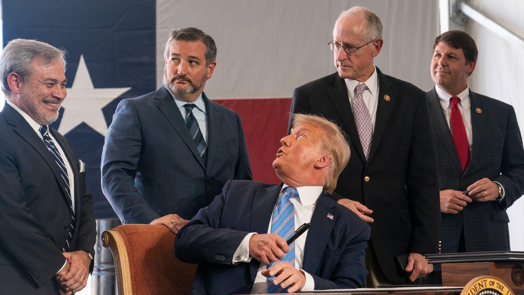 Infectious Disease Expert Laments 'Distressing' Lack Of Masks At Trump Event 1