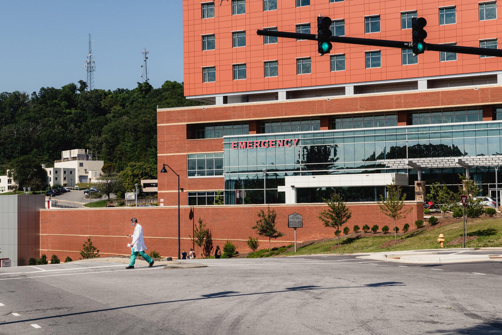 North Carolina sets new record for Covid-19 hospitalizations 1