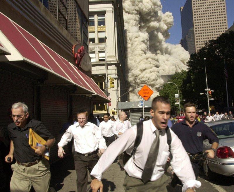 New York man in famous 9/11 photo dies from coronavirus 1