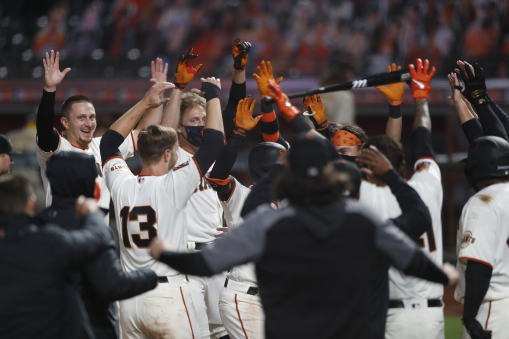 Inside the SF Giants' (somewhat) socially distant walk-off celebration in the coronavirus age 1