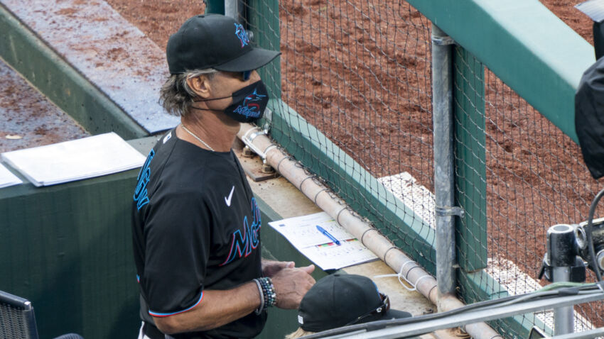 Dr. Anthony Fauci says Marlins' COVID-19 outbreak could put MLB season 'in danger' 1