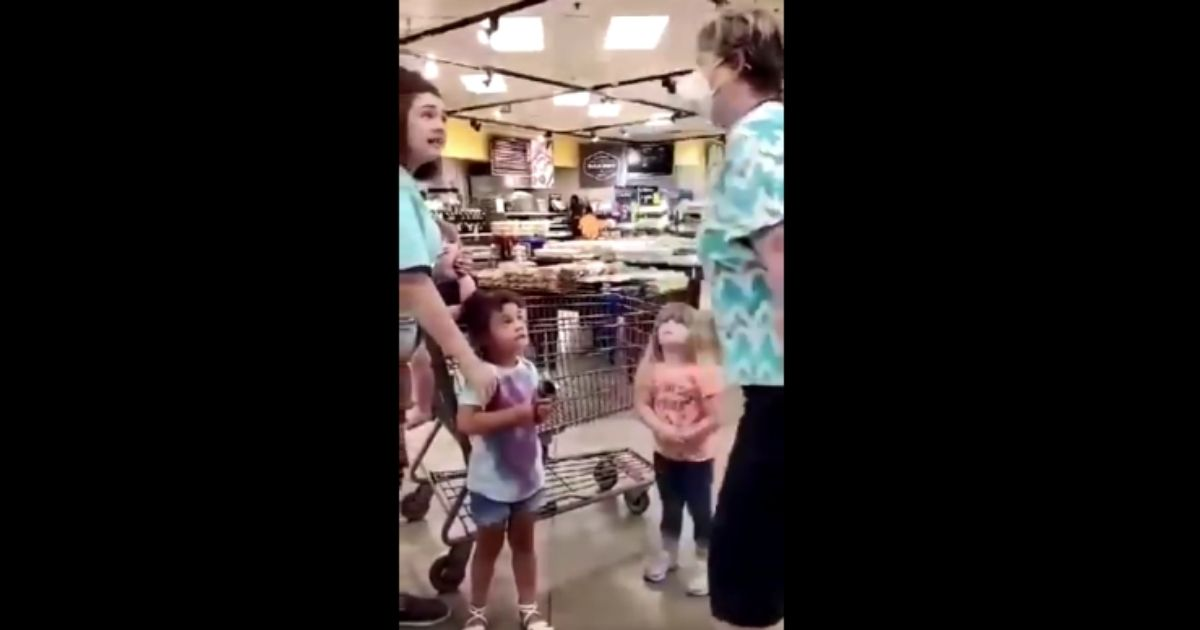 Store Mask Bully Unleashes on Children, Tells Them 'I Hope You All Die' 1