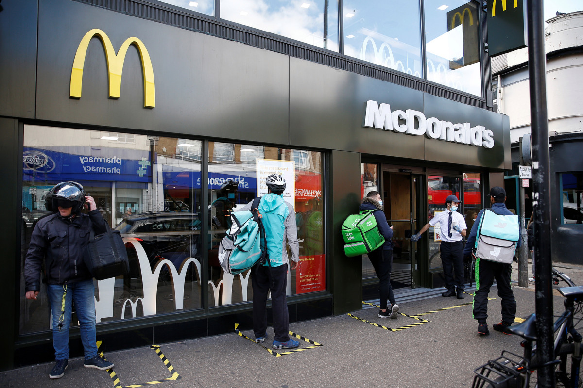 McDonald's shares plunge nearly 30% in second quarter due to COVID-19 1
