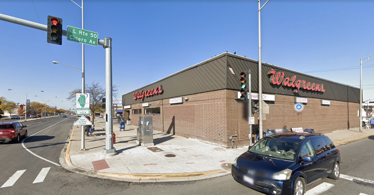 Walgreens avoids hearing, pays 8 citations for mask violations in Cicero 1