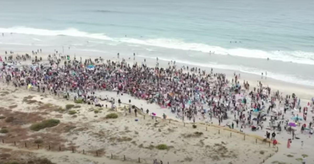 Christians Get Around Newsom Church Lockdown: Over 5,000 Show Up on CA Beach To Worship 1
