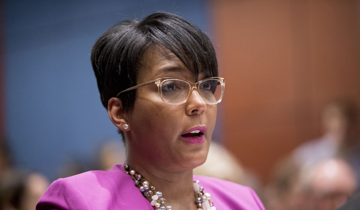 Keisha Lance Bottoms. Atlanta mayor, rips Brian Kemp face mask lawsuit 1