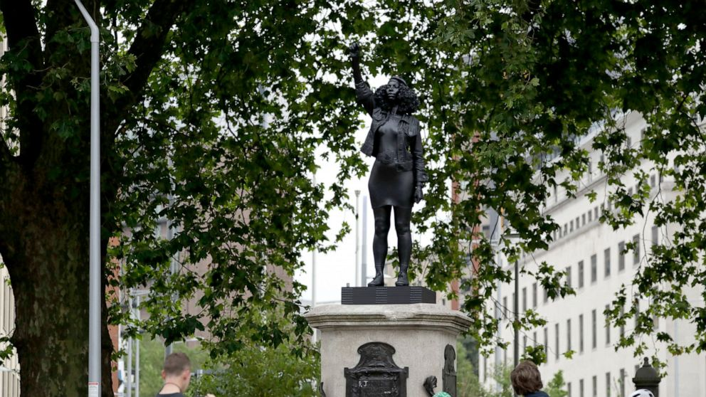 Statue of Black protester replaces toppled UK slave trader 1