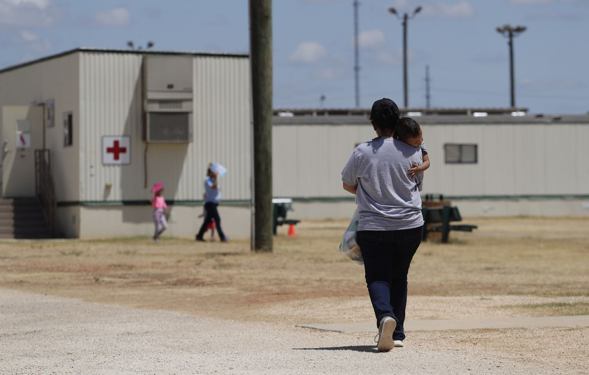 U.S. government refuses to release immigrant children in centers threatened by coronavirus 1