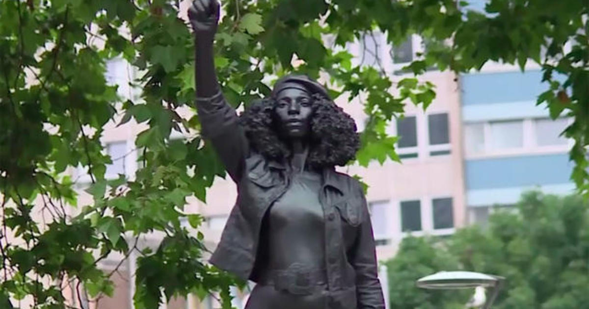 Black Lives Matter protester statue raised in place of U.K. slave trader 1