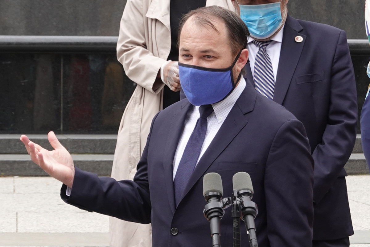 Corey Johnson denies vetoing grant over protests at boyfriend's home 1