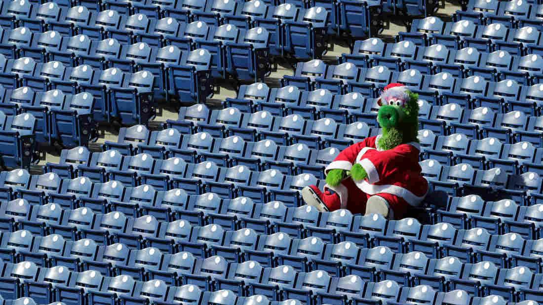 Philadelphia Phillies Put Brakes On Home Games After Coronavirus Cases 1