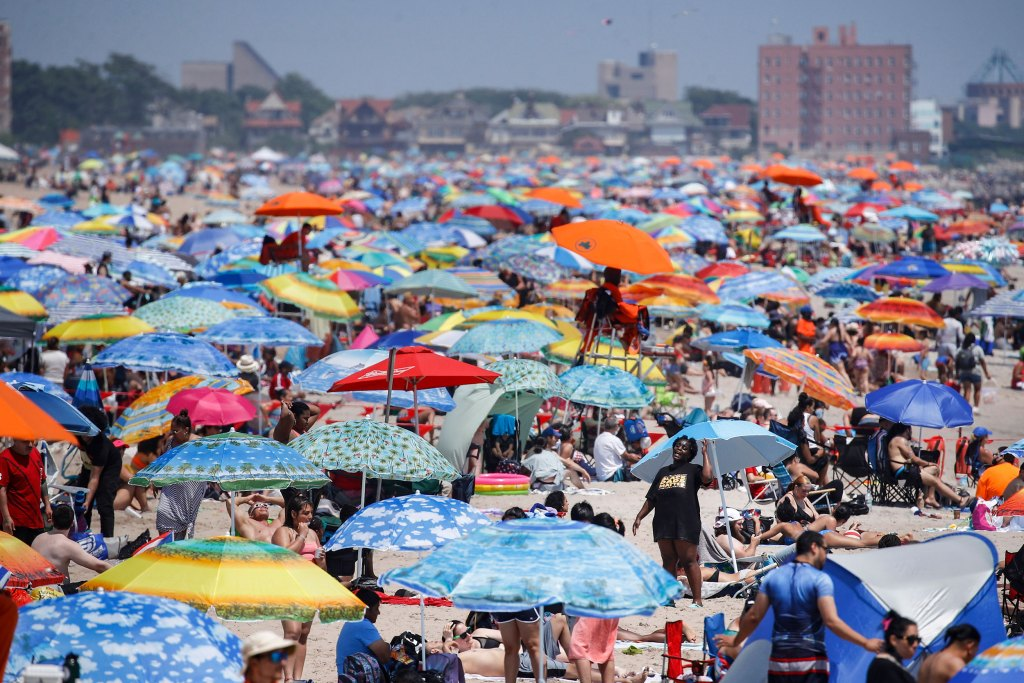 Some celebrated July Fourth virtually while others packed beaches despite coronavirus surge 1