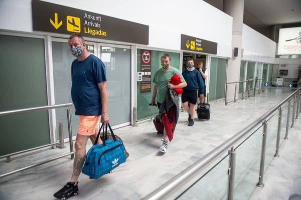 Southern Europe Opens Its Doors to Tourists. Not Many Are Coming. 1