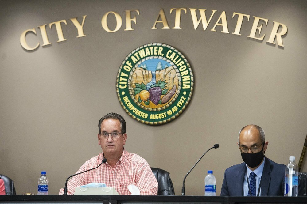 Gov. Newsom withholds coronavirus money from 2 defiant cities 1