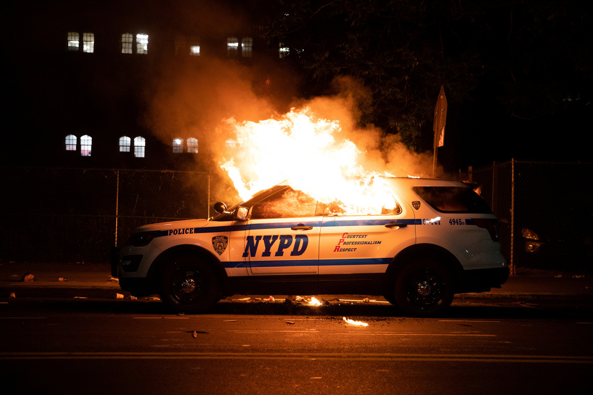 Protesters have caused nearly $1M in damages to NYPD vehicles, sources say 1