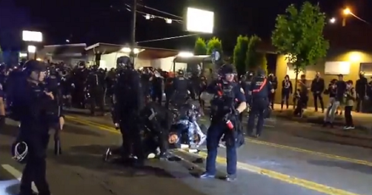 Portland Mayor Blames DHS for Violence in His City, Demands Agents Clean Up Rioters' Graffiti 1