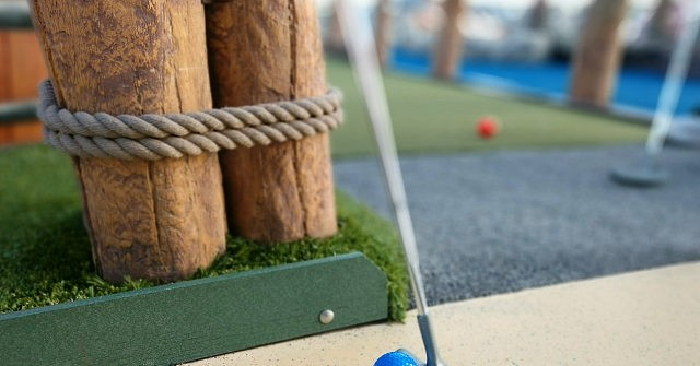 Teens Riot at Mini Golf and Game Center, Hurl Large Objects at Staff 1