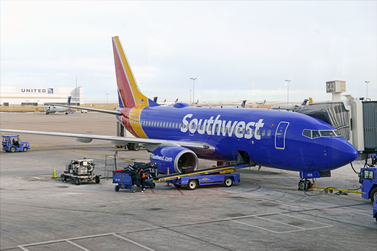 Mother says she was kicked off Southwest flight because toddler was snacking, not wearing mask 1