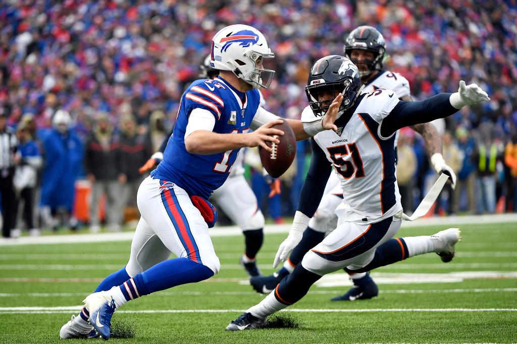 Broncos Mailbag: Why was inside linebacker Todd Davis released so close to season opener? 1