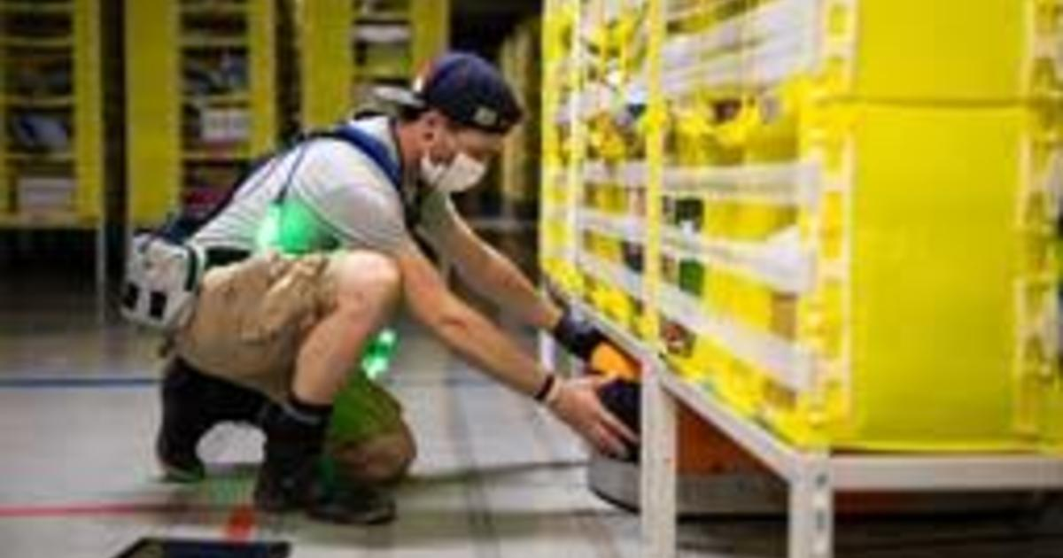 Amazon hiring again: 100,000 full- and part-time openings 1