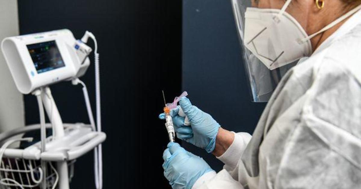 Trump and Biden spar over coronavirus vaccine push 1