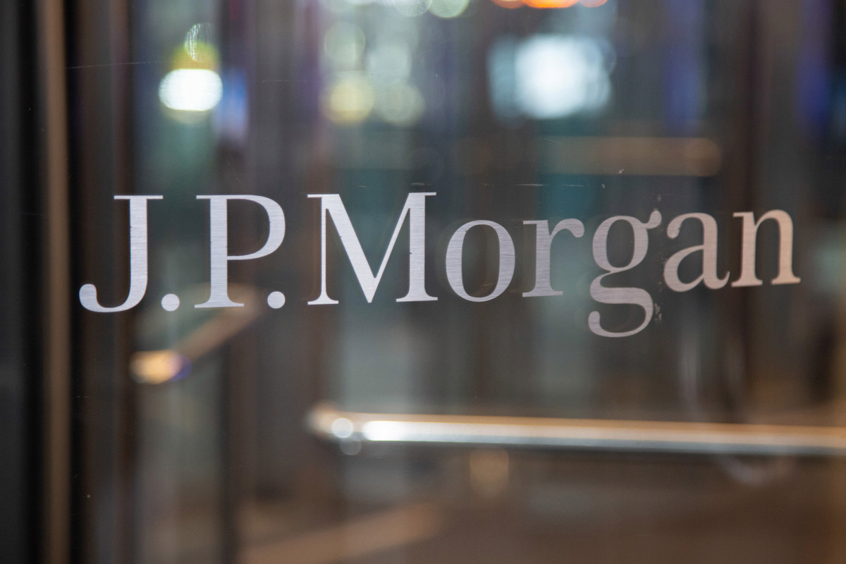 JPMorgan probing alleged misuse of coronavirus relief funds by staff 1