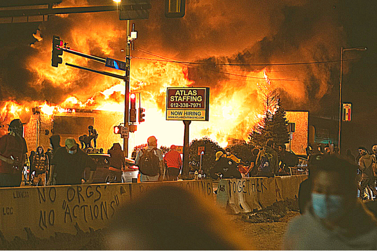 """Everyone In The City Was Ready For War"" - Terrifying Eye-Witness Account Of The Kenosha Riots 1"