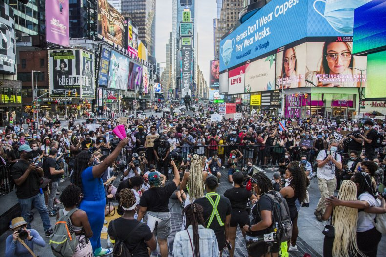 NY Police Used Bicycles to Beat Lawmakers in 2020 Protests, Lawsuit Alleges 1