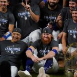 Coronavirus-Infected Justin Turner Ditches Mask To Party With Dodgers Teammates 14
