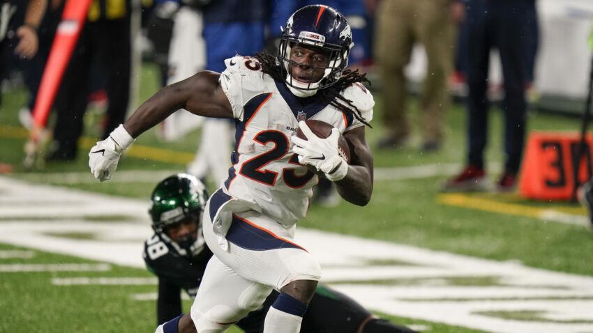 Broncos players voice displeasure in NFL postponing game against Patriots 1