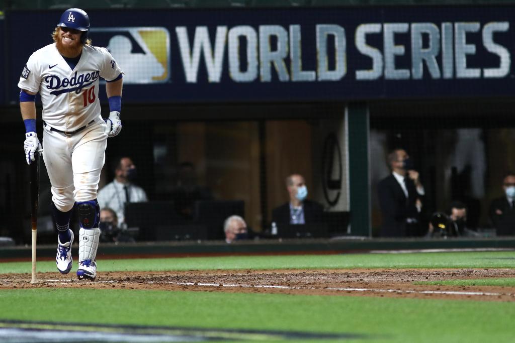 Dodgers' Justin Turner tests positive for coronavirus 1