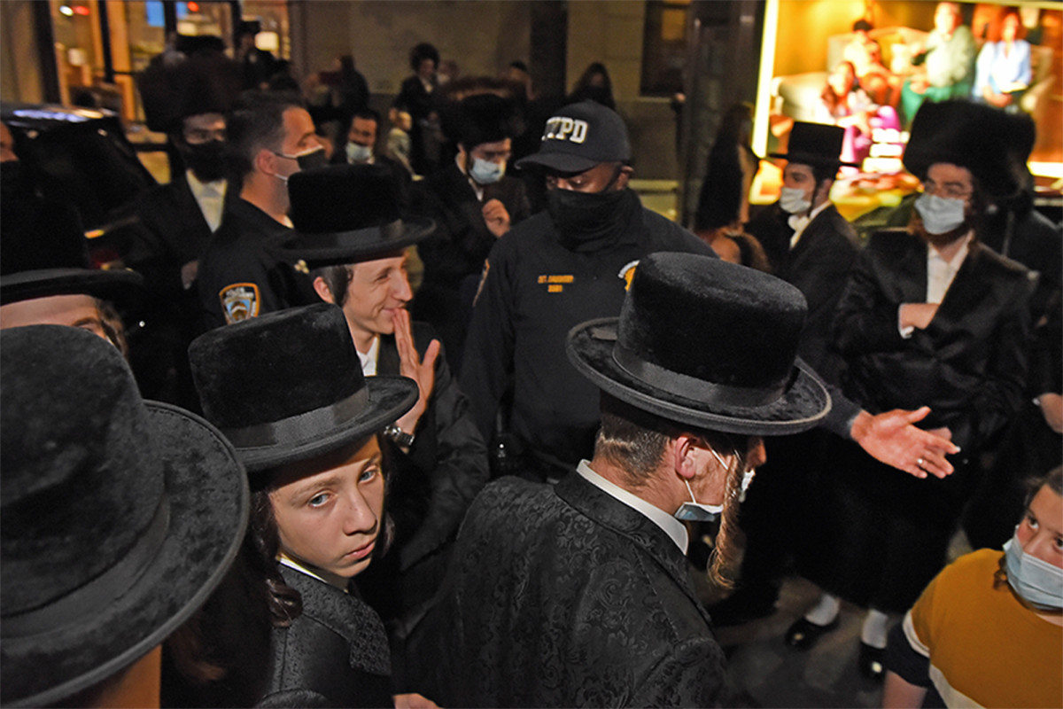 NY Board of Rabbis calls for 'responsible behavior' following protests 1