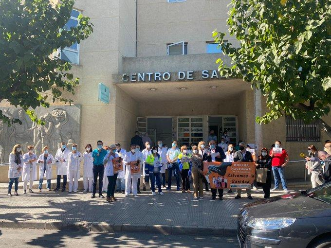 Spanish Doctors Stage First Walkout In 25 Years To Protest Government's New COVID-19 Order 1