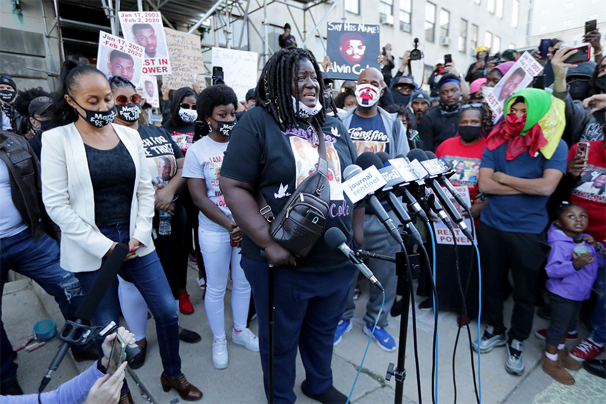 Family of teen killed by cop arrested during Wisconsin protest 1