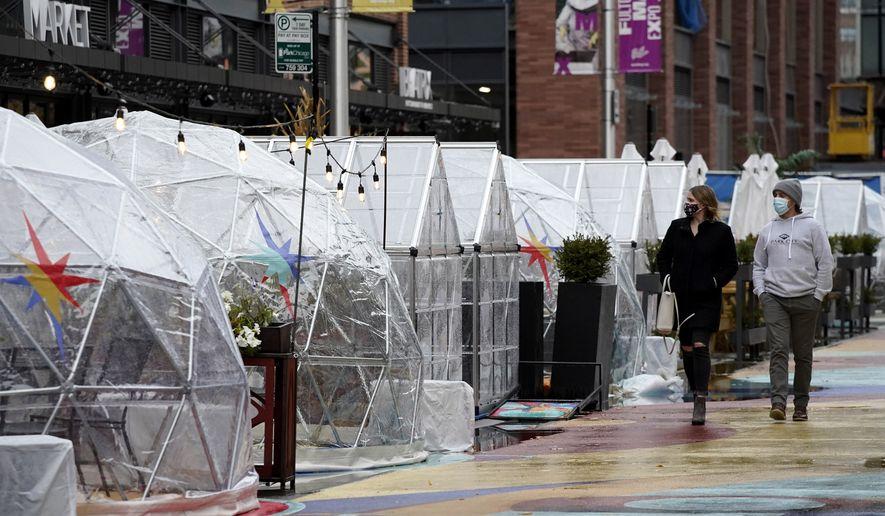J. B. Pritzker bans Chicago indoor dining amid coronavirus surge 1